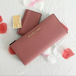 michael kors rose pink carryall wallet jet set